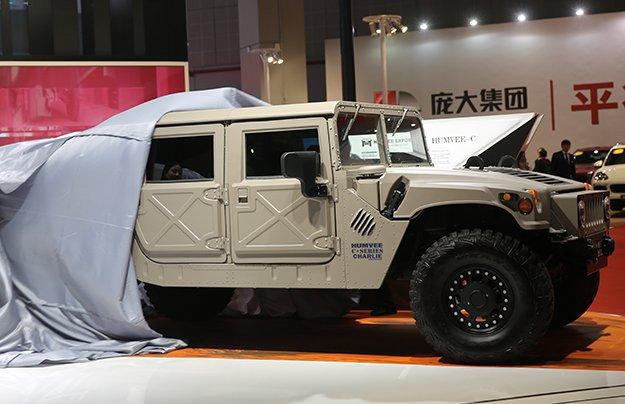 В США возрождают гражданские версии Hummer H1