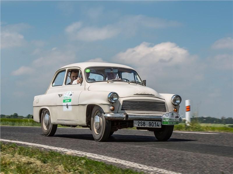 Ретро автомобили – «в бой пошли одни старики»