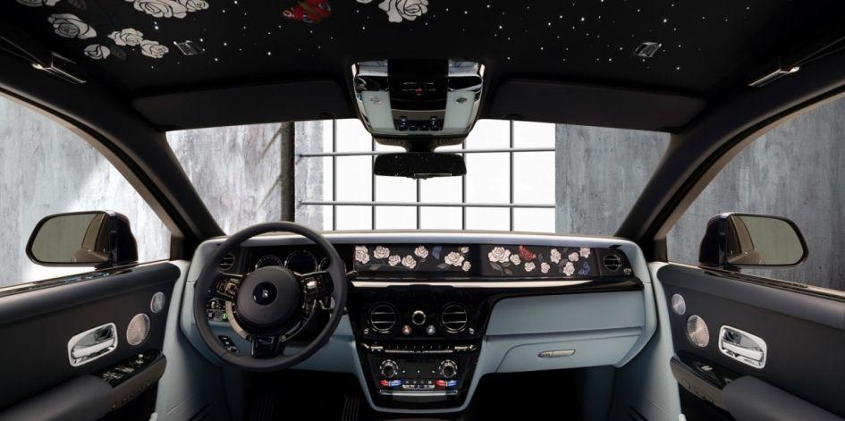Rolls-Royce выпустил уникальный Phantom с вышивкой в салоне