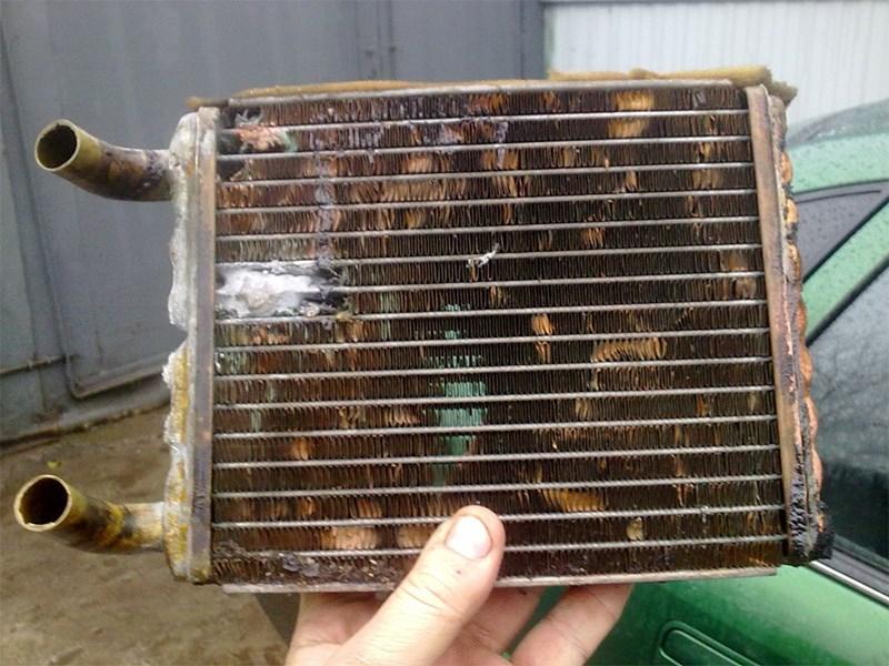 Когда нужна замена радиатора печки?