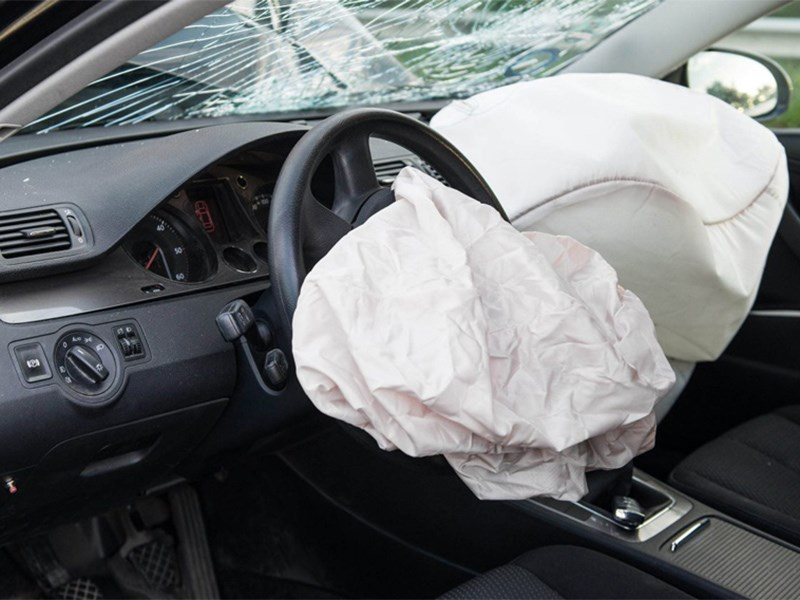 Подушки takata станут причиной отзыва еще полутора миллионов автомобилей