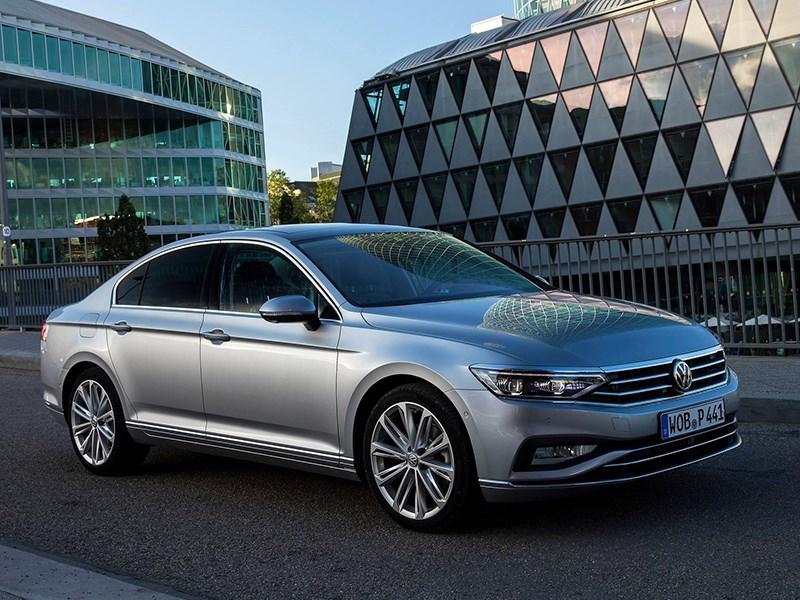 Обновленный Volkswagen Passat потеряет в версиях