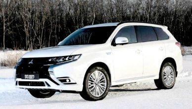 Обновленный кроссовер Mitsubishi Outlander появится в России осенью