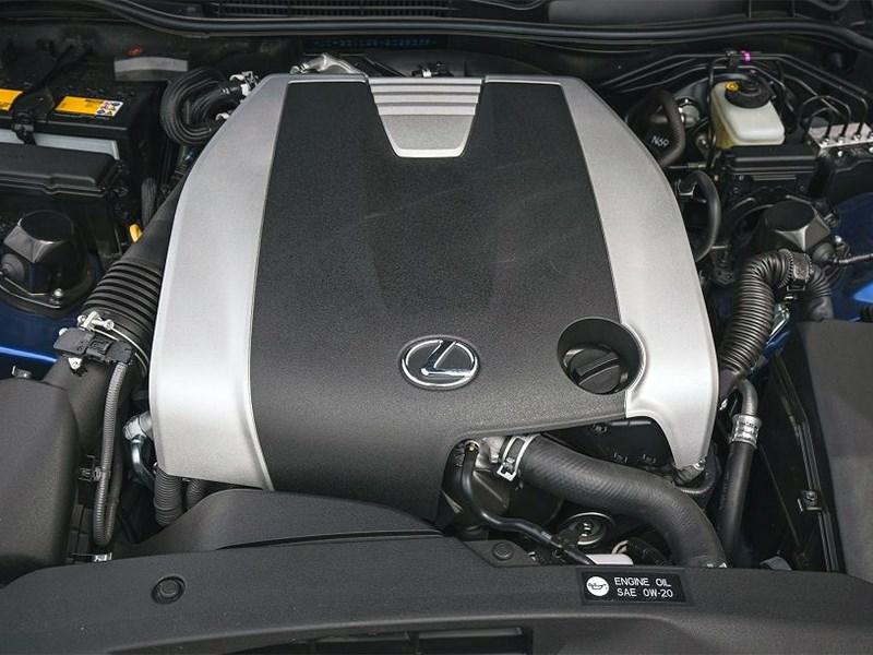 Lexus отказывается от атмосферных моторов