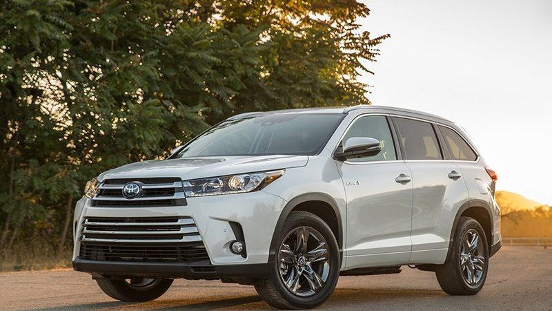 Toyota и Lexus отзывают автомобили из-за «горящей воды»