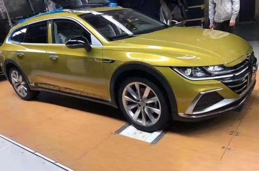 Универсал Volkswagen Arteon: живые фото