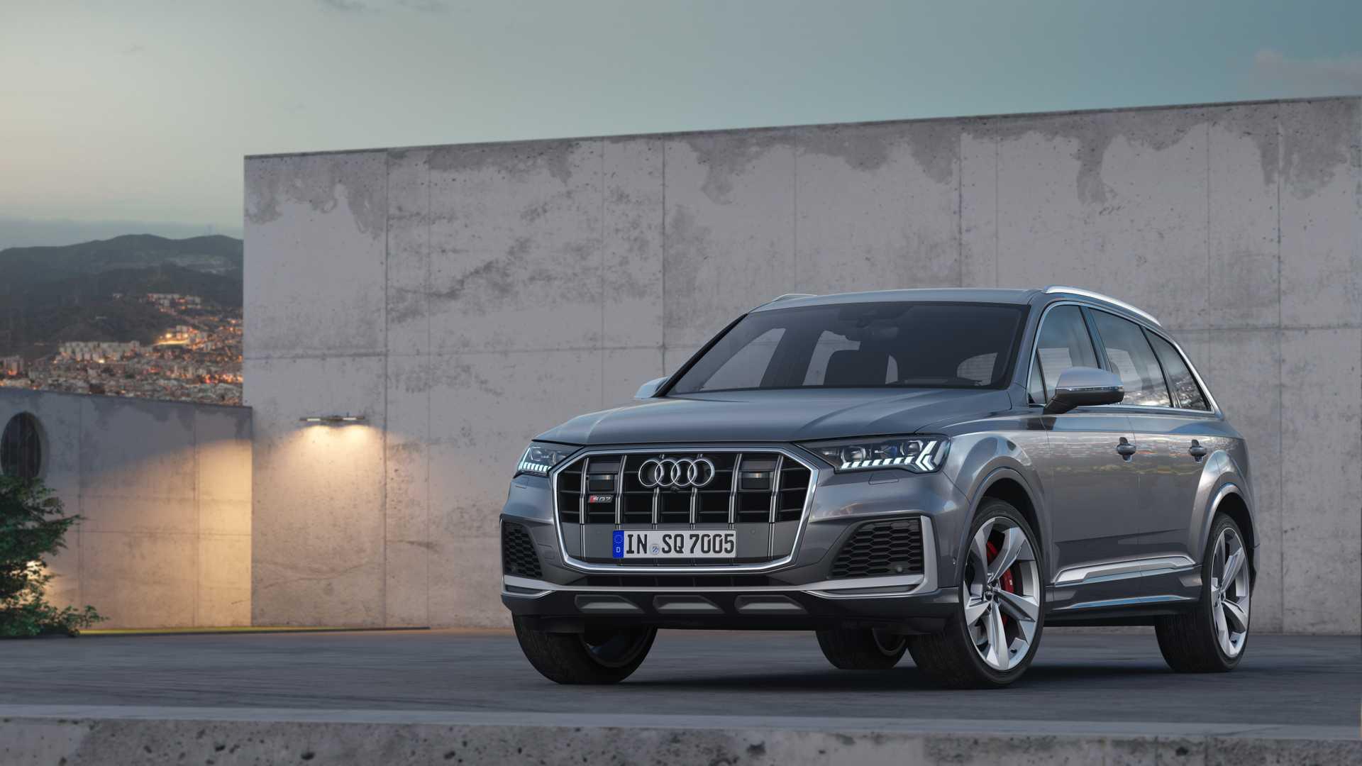 Кроссоверы Audi SQ7 и SQ8 обзавелись бензиновым двигателем