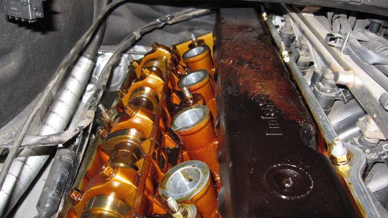 Почему меняют моторное масло?