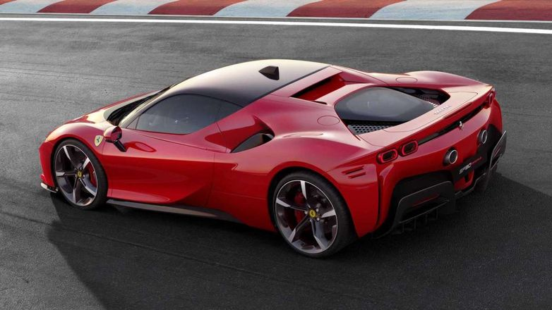 Как собирают самый дорогой в истории Ferrari SF90 Stradale (видео)