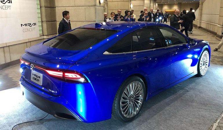 Водородная Toyota Mirai обновилась и получила шокирующий дизайн