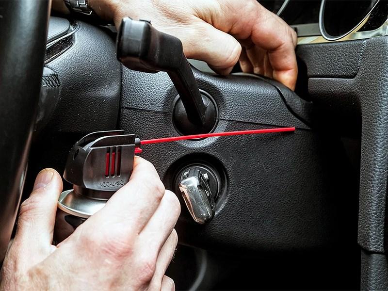Как устранить скрипы в салоне автомобиля