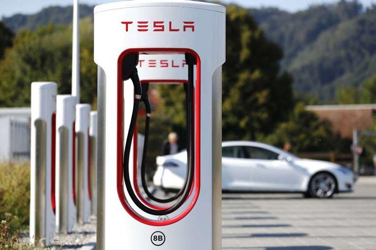 Когда в Украине появятся зарядные станции Tesla Supercharger