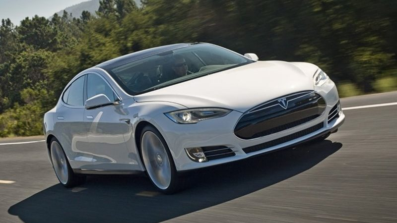 В автомобилях Tesla появятся громкоговорители