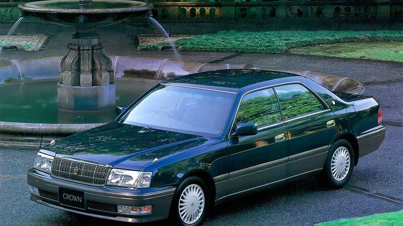 Toyota Crown и Mark X : будущее есть