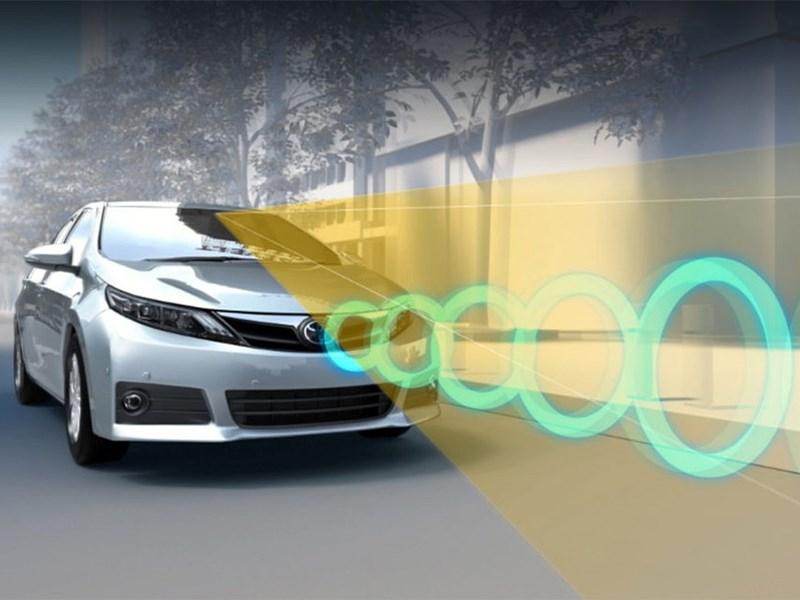 Водители Toyota больше не смогут перепутать газ и тормоз