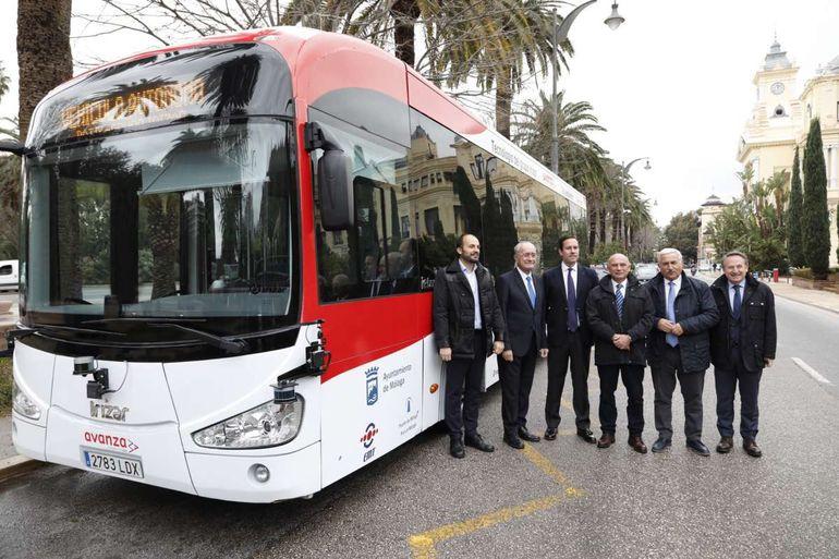 На дороги Европы выйдет первый беспилотный автобус длиной 12 метров