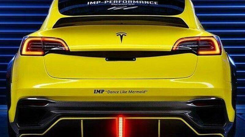 Для Tesla Model 3 приготовили агрессивный обвес
