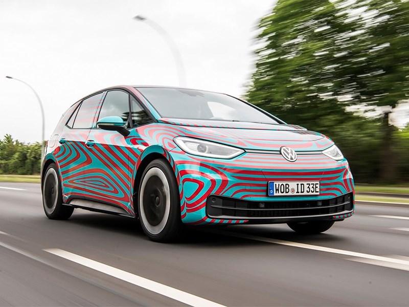 Volkswagen проигрывает Tesla