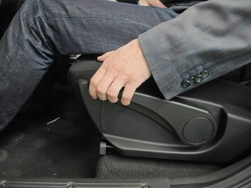 Как правильно произвести регулировку водительского сиденья