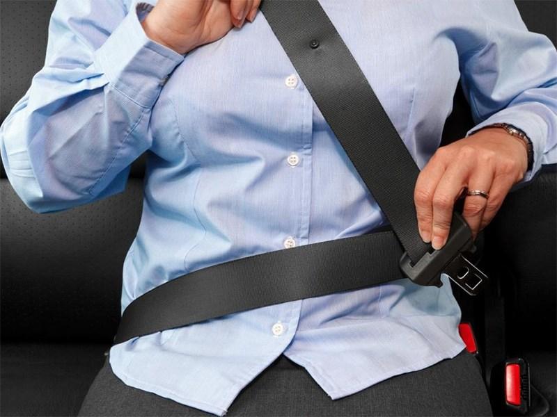 Как заменить ремни безопасности?
