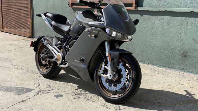 Обзор электромотоцикла Zero SR / S 2020 года.