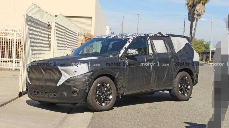Jeep Grand Cherokee 2021 года будет новым впервые за десятилетие