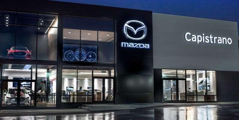 Mazda предоставляет бесплатные замены масла и чистку автомобилей медицинским работникам