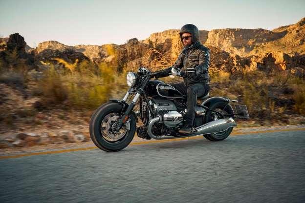 Боксерский мотоцикл BMW R18, созданный в довоенные времена, дебютирует в производстве