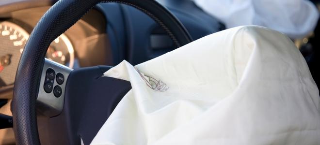 Безопасность автомобиля — эволюция передних подушек безопасности