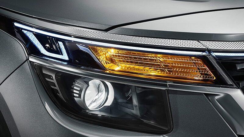 Световые приборы автомобиля: правила использования