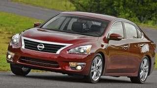 Nissan Altima Recall увеличиваются отзывы | капоты открываются