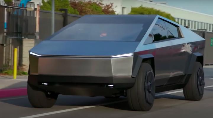 Джей Лено тестирует концепт Tesla Cybertruck