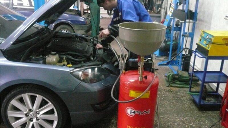 Минеральное моторное масло: свойства и особенности