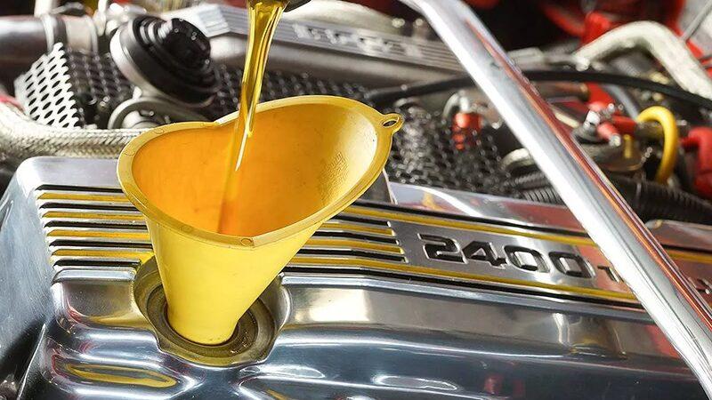Синтетическое моторное масло: виды и свойства