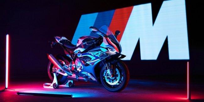 BMW показала первый в истории M-байк