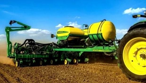 В John Deere представили новую систему внесения жидких удобрений