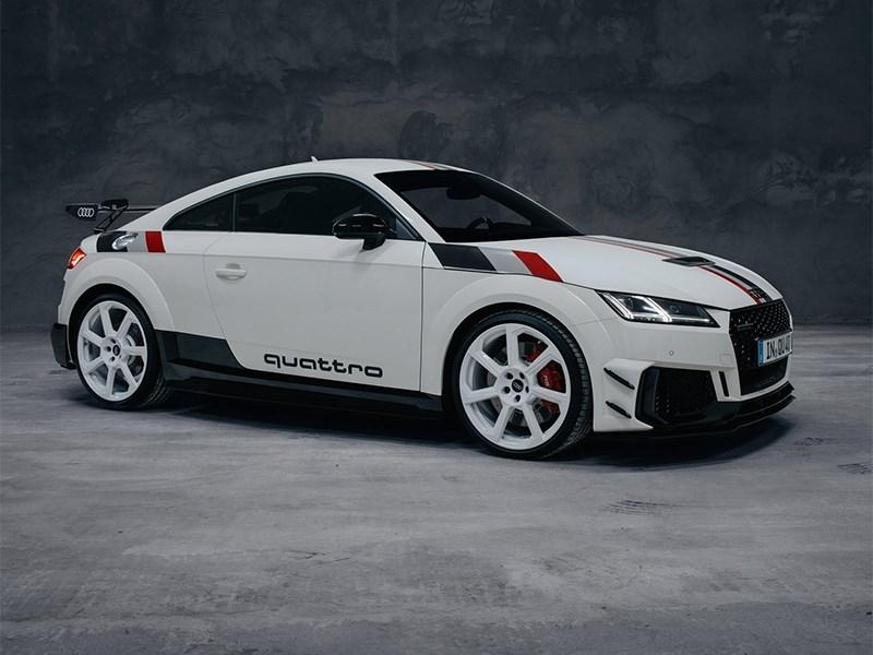 Audi отметила 40-летие Quattro спецверсией TT RS