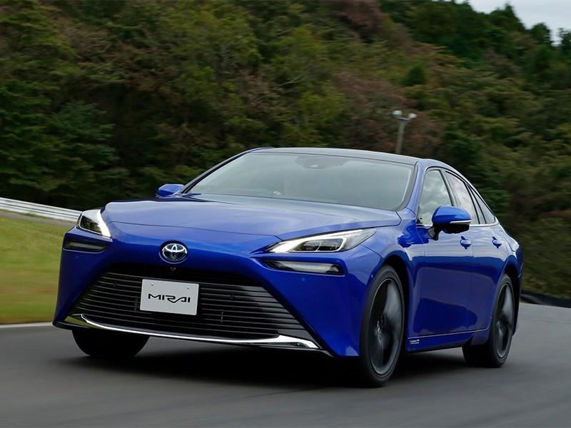 Водородная Toyota Mirai покоряет Европу