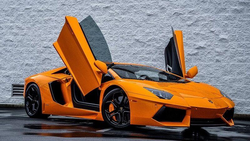 Lamborghini остается дома